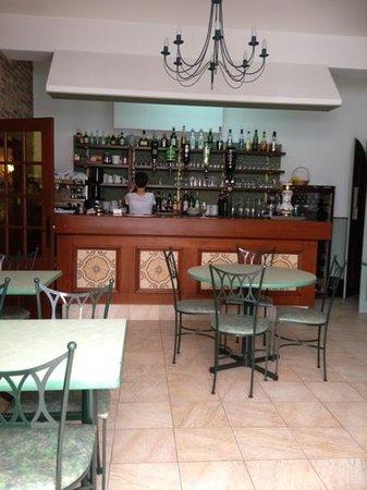 Auberge de l'Abbaye de Noirlac : le bar