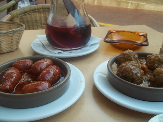 El Rincon de Pepe : Chorizo and Meatballs (Both Awful)