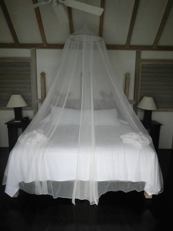 Cocobay Resort: our bed