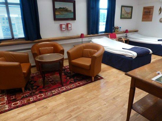 Hotell Gastis: Familjerum (omgjort konferensrum)