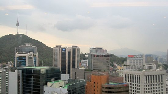 Lotte Hotel Seoul: View from club lounge