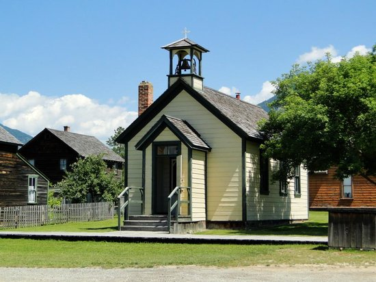 Fort Steele Heritage Town: Charming Buildings