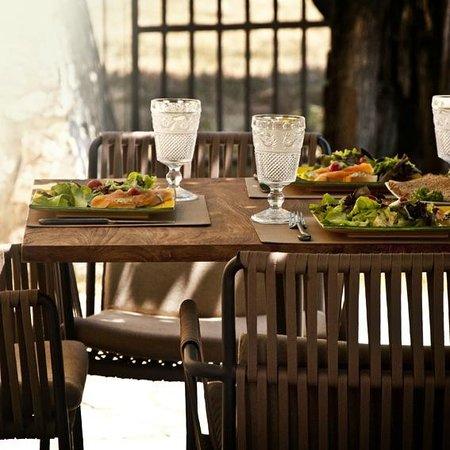 Le Mas de la Taillade : Lunch at Le Mas