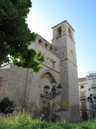 Iglesia de San Juan: Fachada en la Plaza de San Juan