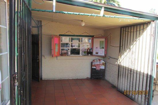 The Sandtrap Restaurant and Bar: Order Window
