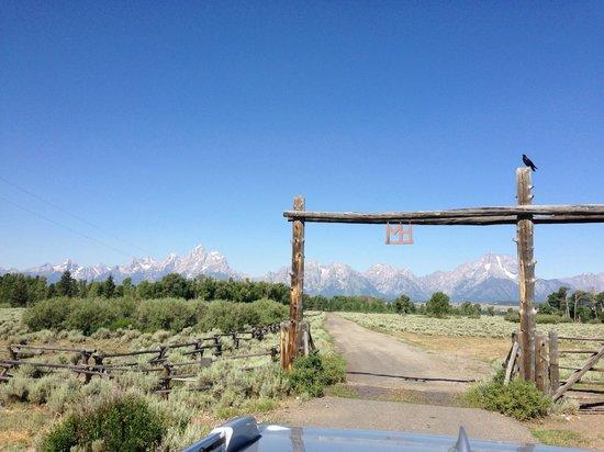 Moose Head Ranch: entrance