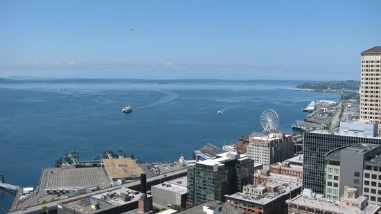 Smith Tower: View of the waterfront, with ferris wheel