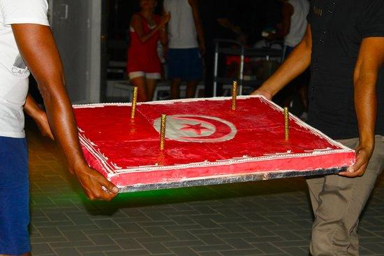 Iberostar Averroes: Krönender (& sehr leckerer) Abschluss der Poolparty zum Nationalfeiertag