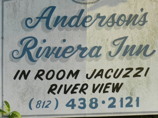 Andersons Riviera Inn: Details needed to make a reservation