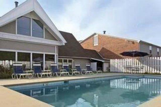 Quality Inn : Swimming Pool