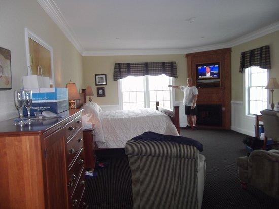 Smithfield Station: Room 3323 Lodge King Junior Suite