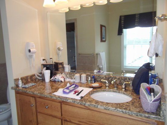 Smithfield Station: Bathroom of Lodge King Junior Suite