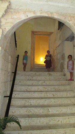 Casa Pombo: subiendo a habitacion 201