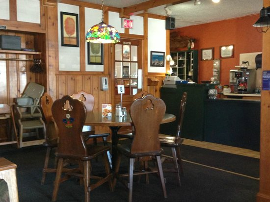 The Bavarian Inn: Dining Room/Bar