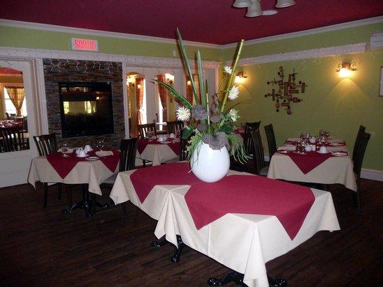 L'Estampilles: Salle à manger pour le souper.