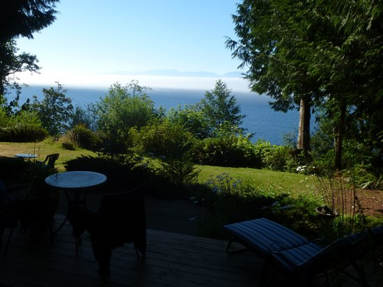 Orveas Bay Resort: View from the patio overlooking the Straight of Juan de Fuca
