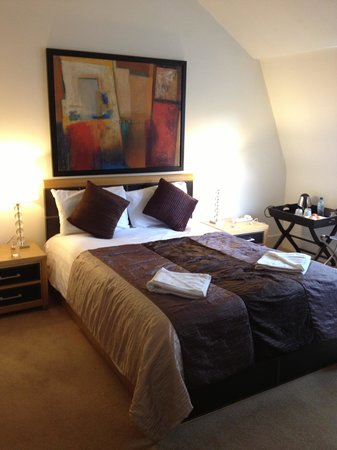Arosfa Hotel: One bedroom in the apartment that also had a twin bed