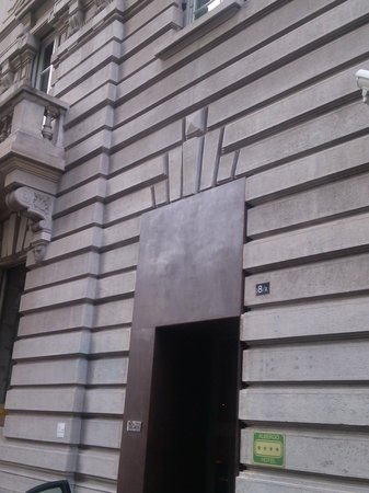 Palazzo Segreti : outside the hotel on San Tamaso