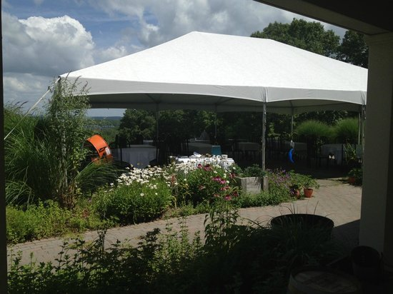 The Restaurant at Patowmack Farm: Covered patio dining