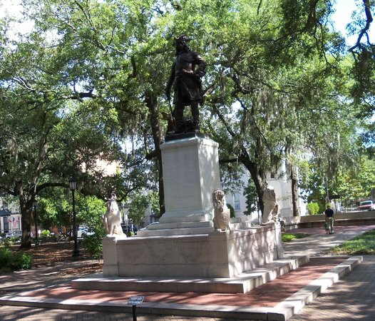 Chippewa Square: Georgia founder General James Oglethorpe created by sculptor Daniel Chester French