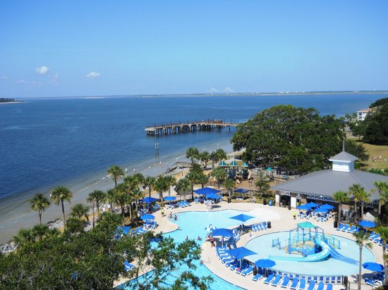 Ocean Inn and Suites: View of Neptune Park and fishing pier from top of lighthouse