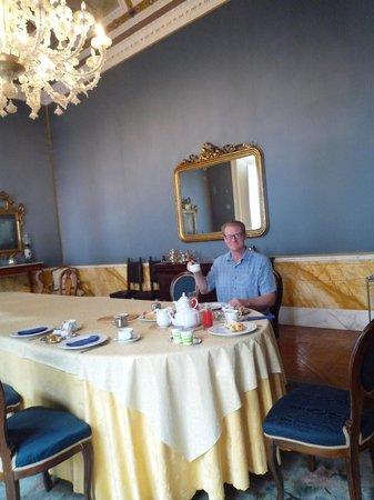 Palazzo Montevago: breakfast!