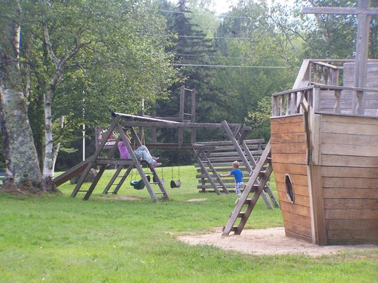 Lost River Valley Campground : playground