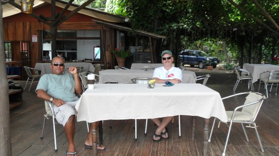 Claudio y Gloria: Breakfast with Friends Visiting