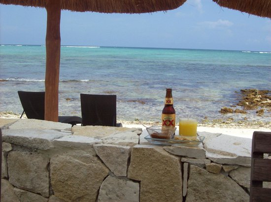 Blue Sky Restaurant: Sun, beverages, snorkeling and a palapa