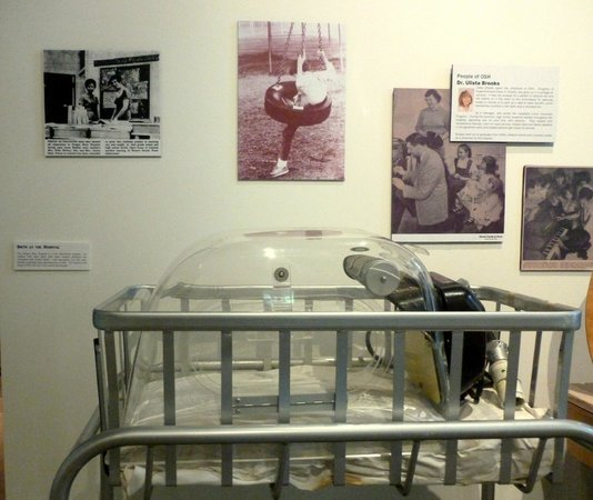 Oregon State Hospital - Museum of Mental Health: Baby incubator