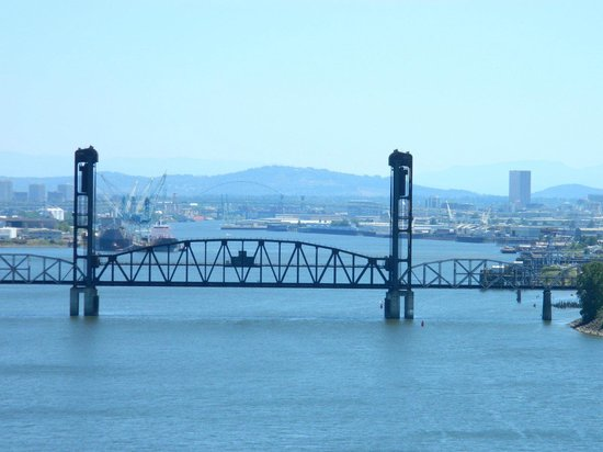 The view looking south from St. Johns Bridge