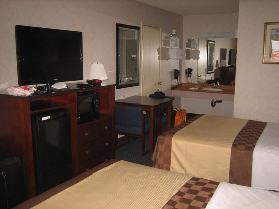 Americas Best Value Inn Page : Chambre