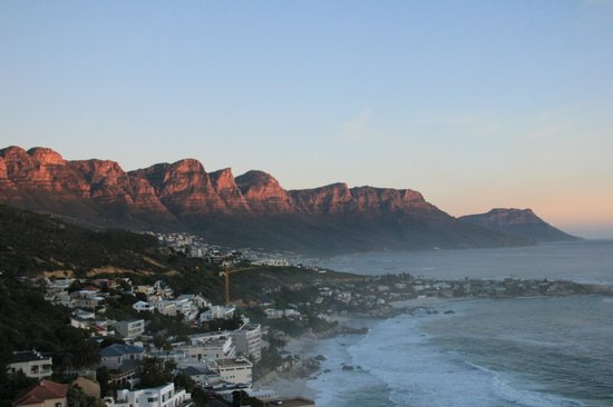 Cape View Clifton: Camps Bay and the 12 Apostles from 2B's balcony