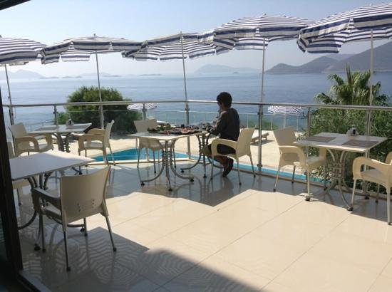 Hotel Cachet: breakfast on the terrace