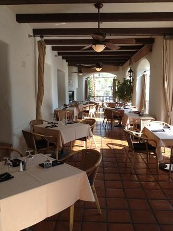 The Grill on Main: outside dining area