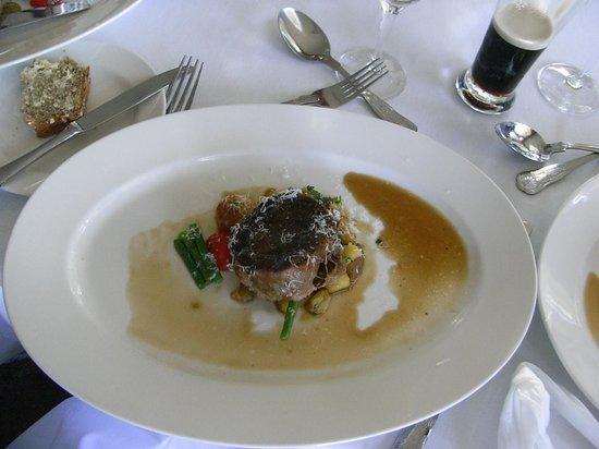 The Restaurant: メインのお肉