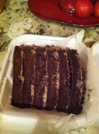 Tony's New York Style Pizzeria: colossal chocolate cake