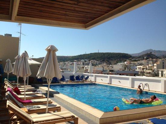 Achillion Palace : Swimming pool