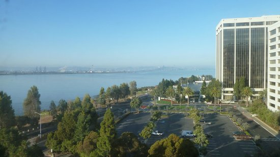 Hilton Garden Inn San Francisco/Oakland Bay Bridge: Vista a la bahía desde habitación