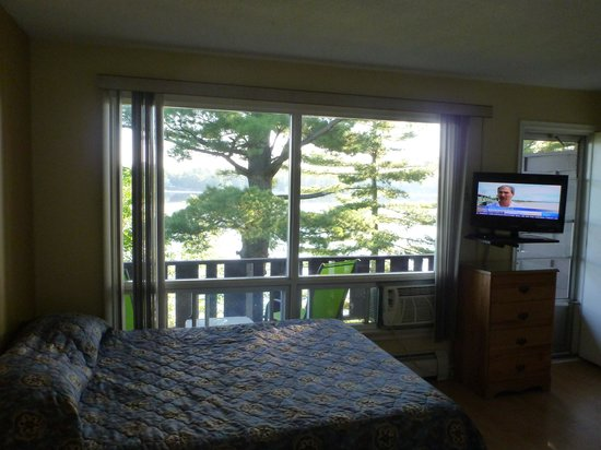 Pinedale Inn: View from bed