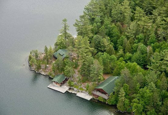 Ojibway Family Lodge : Ojibway aerial view of dock