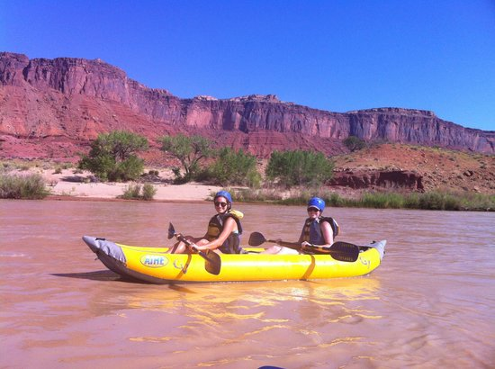 Canyon Voyages Adventure Co - Day Tours : 2 Daughters On the Colorado