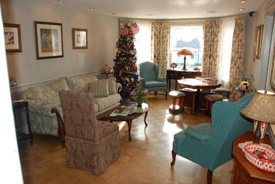 After Eight Bed & Breakfast: common area