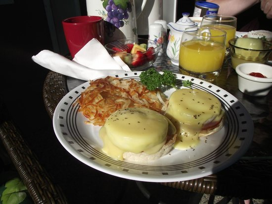 Beachcomber B&B: Eggs Benedict