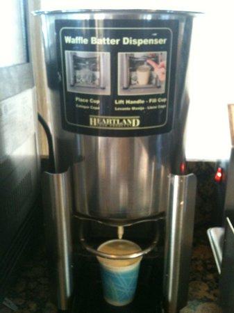 BEST WESTERN Airpark Hotel: The Waffle Flour machine