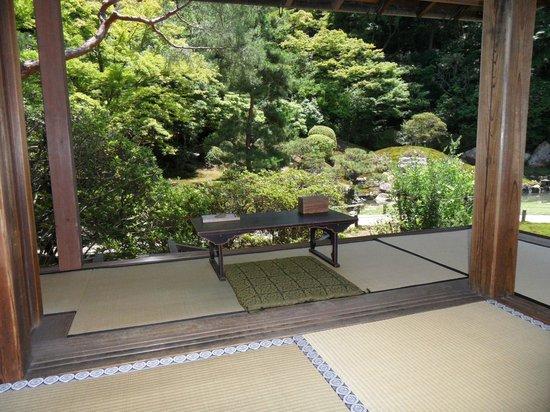 Shoren-in Temple (Shoren-in Monzeki): Peaceful corner