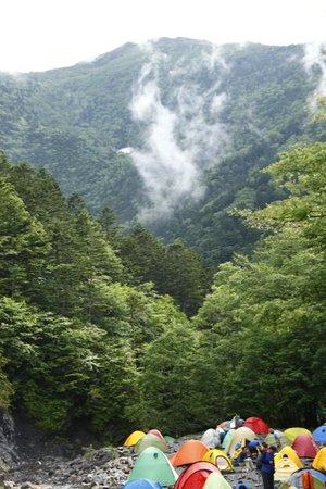 Mt.Senjogadake: 朝のテントサイト