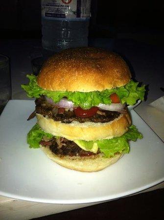 Koko's Beach Bar &Grill: the koko burger!