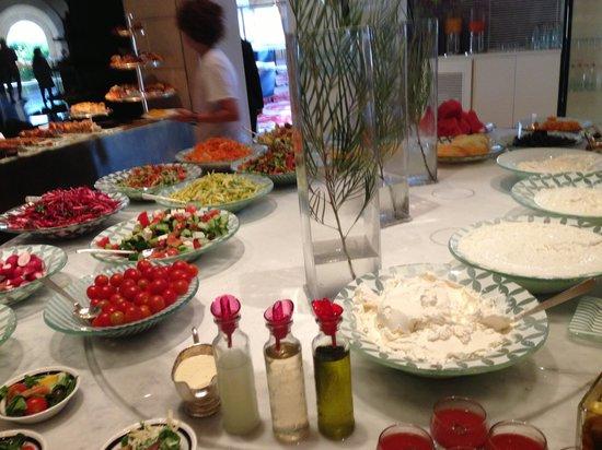 David Citadel Hotel: El bufete del desayuno excelente
