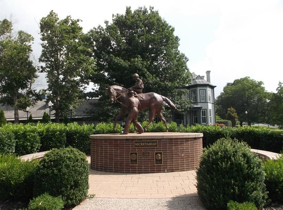 Kentucky Horse Park: Secretariat Statue
